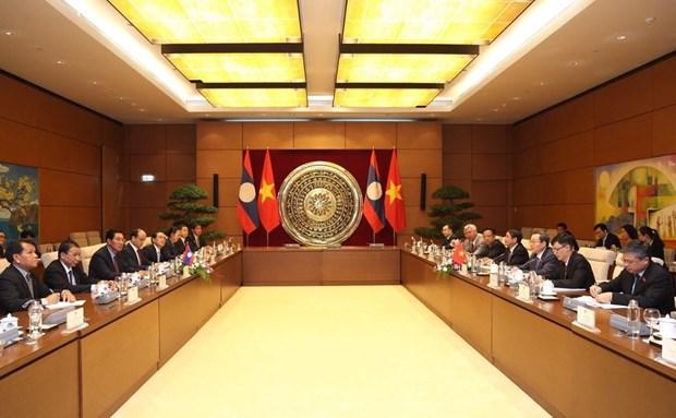 Robustecen nexos parlamentarios Vietnam-Laos hinh anh 1