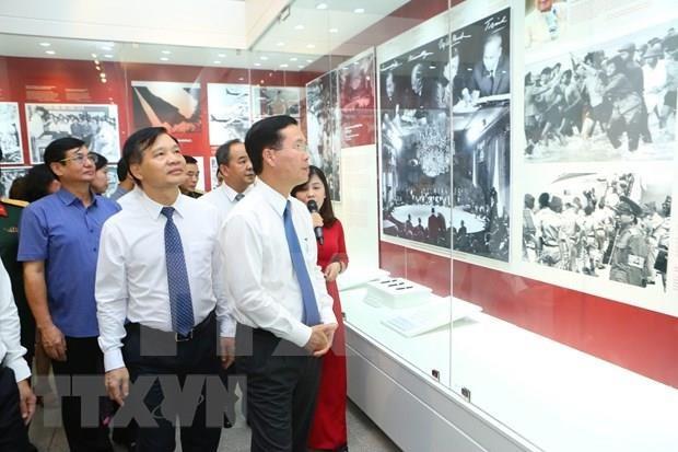 Realizan en Vietnam exposiciones sobre cumplimiento de Testamento del Presidente Ho Chi Minh hinh anh 1