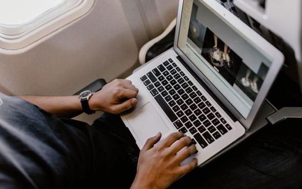 Prohibe Vietnam viajar con Macbook Pro 15 pulgadas en aviones hinh anh 1