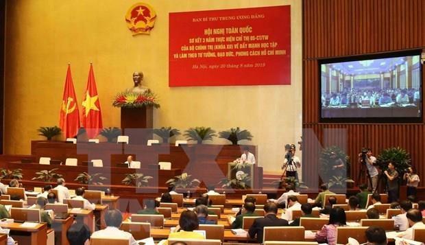 Comparten en Vietnam destacados modelos en movimiento de seguir ejemplo del Presidente Ho Chi Minh hinh anh 1