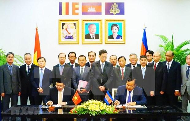 Fomentan Vietnam y Camboya cooperacion multifacetica hinh anh 1