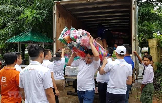 Comunidad vietnamita presta asistencia a afectados por inundaciones en Myanmar hinh anh 1