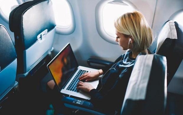 Prohibe Singapur viajar con Macbook Pro 15 pulgadas en sus aviones hinh anh 1