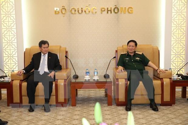 Recibe ministro de Defensa de Vietnam a secretario general de ASEAN hinh anh 1
