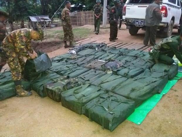 Incauta Myanmar unos 800 kilogramos de metanfetamina hinh anh 1
