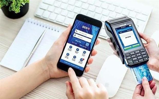 Apuesta sistema bancario vietnamita por impulsar servicios digitales hinh anh 1