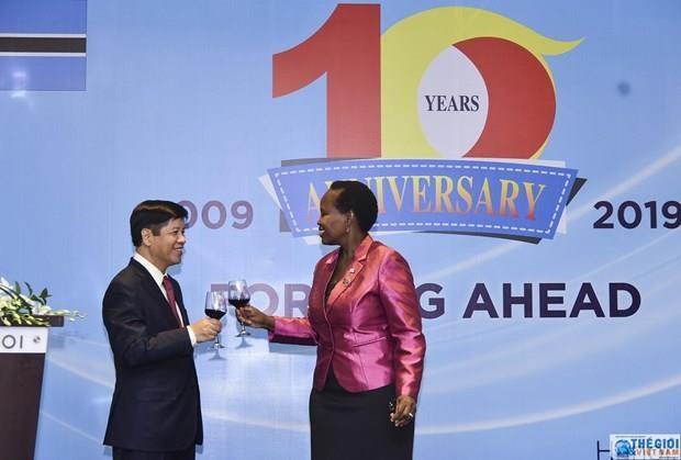 Conmemoran Vietnam y Botsuana X aniversario del establecimiento de las relaciones diplomaticas hinh anh 1