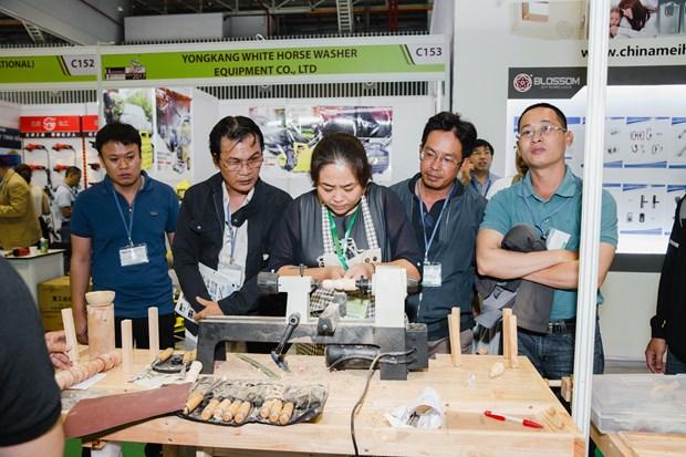 Inauguran en Vietnam Feria de productos de provincia china de Canton hinh anh 1