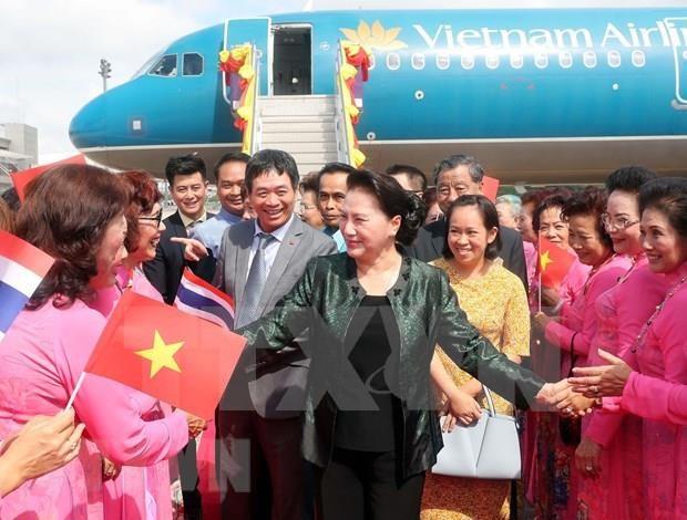 Presidenta del Parlamento vietnamita visita provincia tailandesa de Udon Thani hinh anh 1