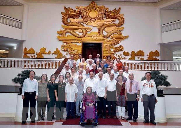 Premier vietnamita se reune con exoficiales que servian al presidente Ho Chi Minh hinh anh 1