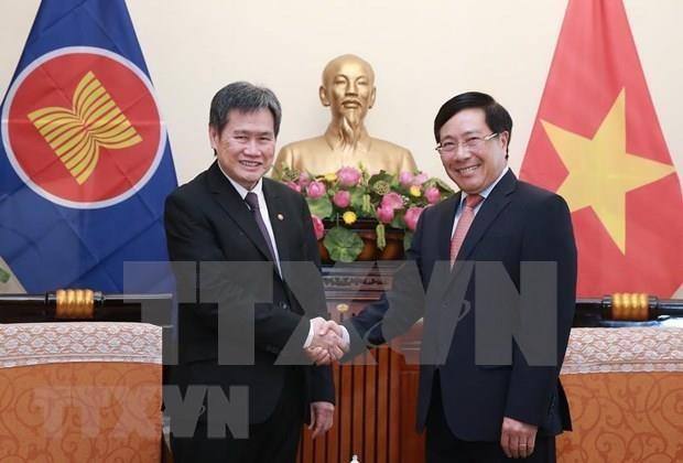 Recibe vicepremier vietnamita a secretario general de la ASEAN hinh anh 1
