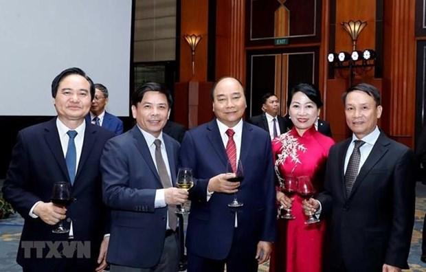 Primer ministro de Vietnam preside banquete por el Dia Nacional hinh anh 1