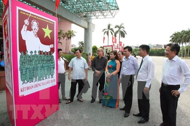 Efectuan en Vietnam actividades en conmemoracion de efemerides nacionales hinh anh 1