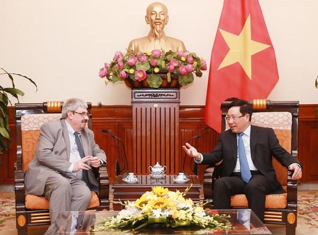 Vietnam y Uruguay debaten medidas para promover cooperacion hinh anh 1