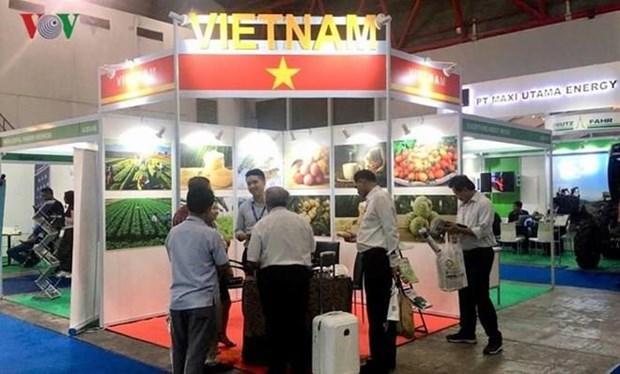 Participa Vietnam en Exposicion Internacional de Maquinarias y Equipos Agricolas de Indonesia hinh anh 1