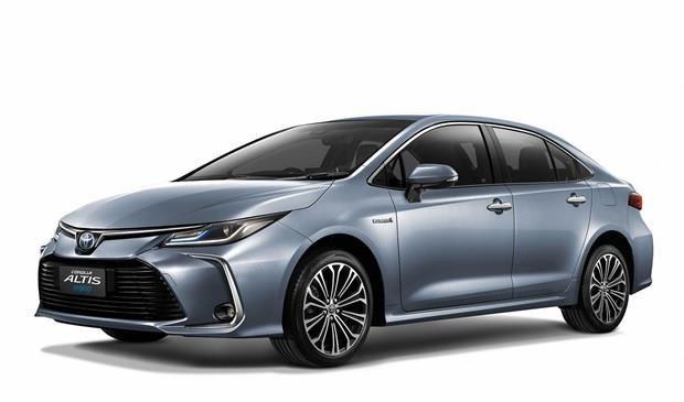 Presentan en Tailandia modelo de sedan hibrido Corolla Altis de Toyota hinh anh 1