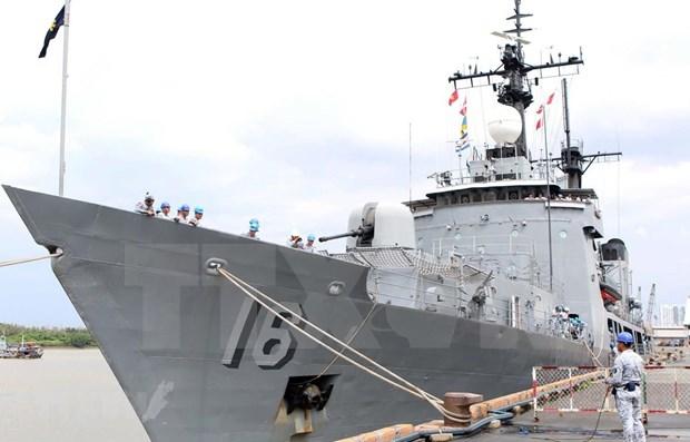 Visita Vietnam embarcacion de la Armada filipina hinh anh 1