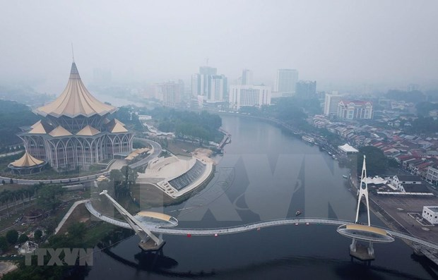 Suministran en Malasia mascaras a pobladores en areas afectadas por incendios forestales de Indonesia hinh anh 1