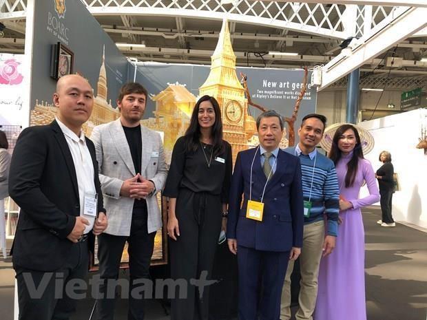 Acaparan productos artesanales de Vietnam la atencion en Feria Internacional de Londres hinh anh 1