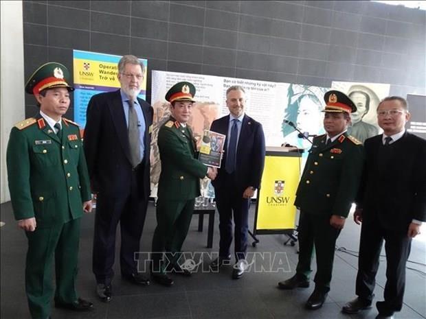 Australia entrega a Vietnam datos digitales sobre martires de guerra hinh anh 1