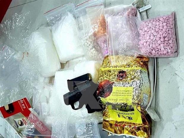 Policia vietnamita desarticula red dedicada al trafico de drogas desde Camboya hinh anh 1