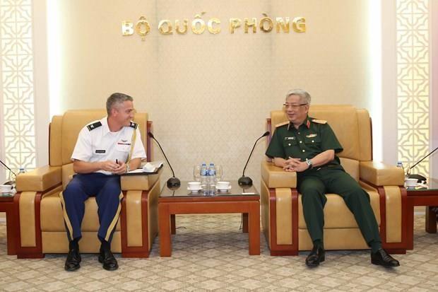 Viceministro vietnamita de Defensa recibe a nuevo agregado militar de Estados Unidos hinh anh 1