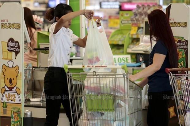 Minoristas de Tailandia dejaran de entregar bolsas de plastico de un solo uso hinh anh 1