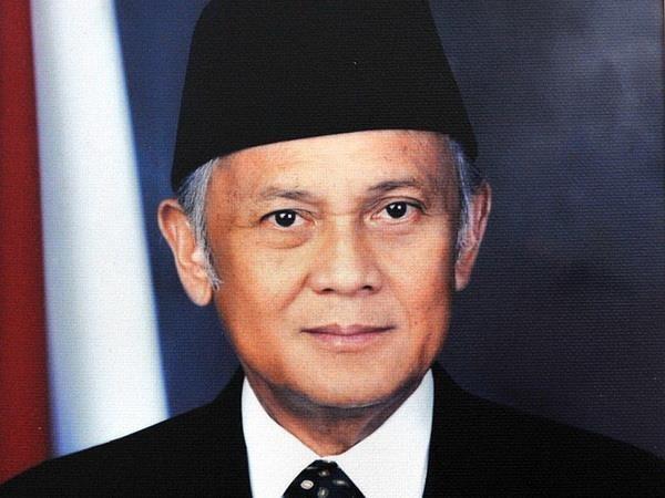 Extiende Vietnam condolencias por fallecimiento del expresidente de Indonesia hinh anh 1