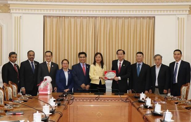 Fortalece Ciudad Ho Chi Minh cooperacion con Malasia hinh anh 1