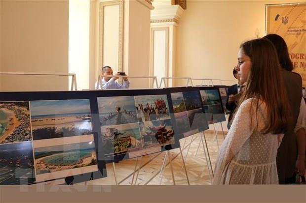 Inauguran en Ucrania exposicion sobre las hazanas del pueblo vietnamita hinh anh 1