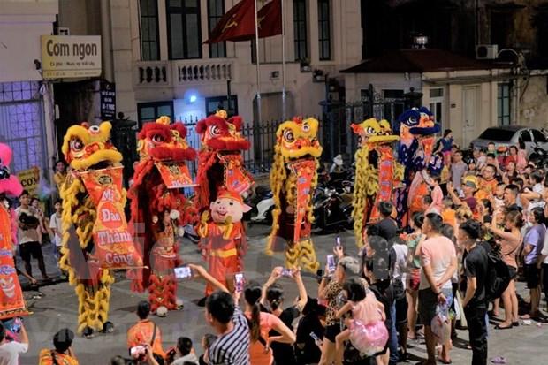 Celebran en Vietnam Fiesta del Medio Otono hinh anh 1