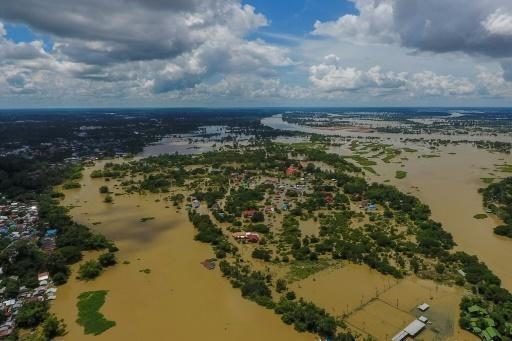 Graves danos en provincias tailandesas por inundaciones prolongadas hinh anh 1