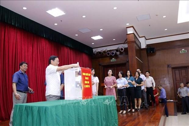 Comunidad vietnamita en Laos respalda a locales afectados por desastres naturales hinh anh 1