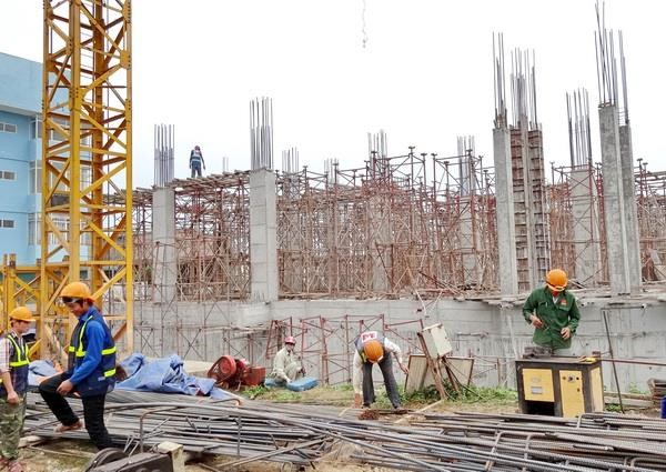 Empresas de construccion optimistas sobre desempeno comercial en tercer trimestre hinh anh 1