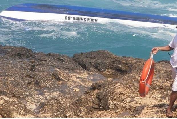 Mueren dos turistas extranjeros tras accidente maritimo en Indonesia hinh anh 1