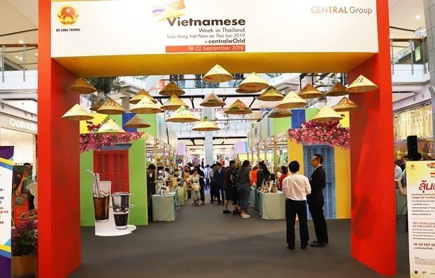 Promocionan empresas vietnamitas productos de consumo en Tailandia hinh anh 1