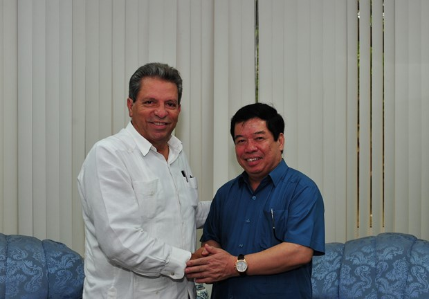 Seminario enfatiza vigencia del pensamiento revolucionario de Ho Chi Minh y de Fidel hinh anh 3