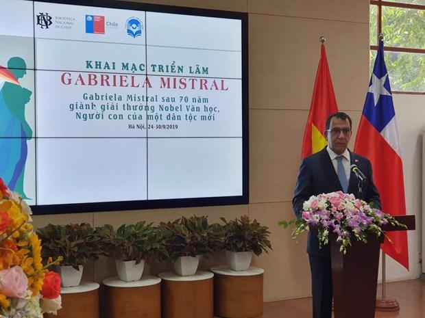 Inauguran en Hanoi exposicion sobre famosa escritora chilena Gabriela Mistral hinh anh 1