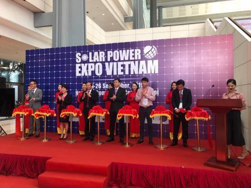 Inauguran en Vietnam VII Exposicion de Energia Solar hinh anh 1