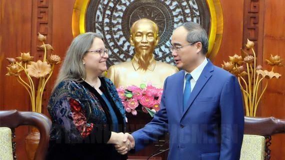 Estados Unidos se propone elevar lazos con Vietnam al nivel de asociacion estrategica hinh anh 1