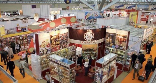 Presentan productos vietnamitas en feria internacional de alimentos en Rusia hinh anh 1