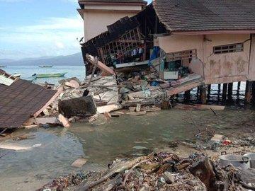Mueren seis personas tras terremoto en Indonesia hinh anh 1