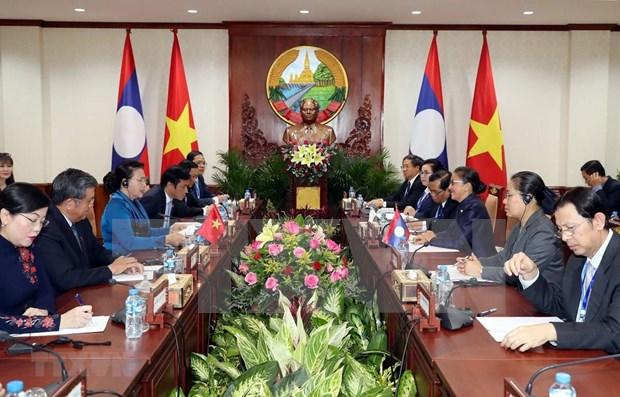 Parlamentos de Vietnam y Laos buscan agilizar cooperacion en sus labores hinh anh 1