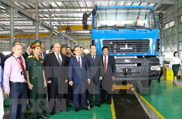 Inaugura Belarus en Vietnam la fabrica automovilistica Maz Asia hinh anh 1