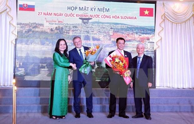 Robustecen amistad entre Vietnam y Eslovaquia hinh anh 1