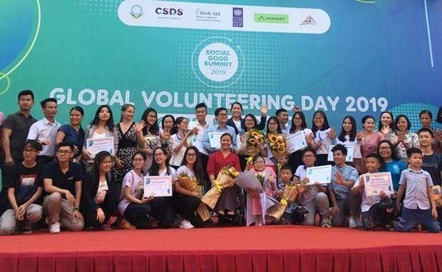 Participan jovenes nacionales y extranjeros en Festival Mundial del Voluntariado en Vietnam hinh anh 1