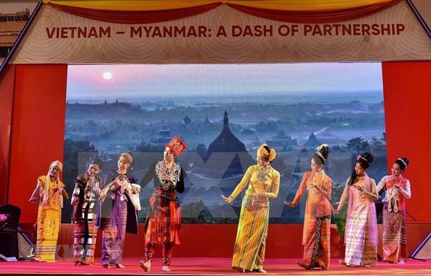 Celebran en Myanmar Semana de Cultura de Vietnam hinh anh 1