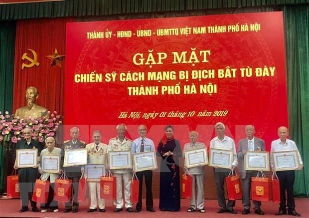 Honran en Hanoi a expresos revolucionarios hinh anh 1