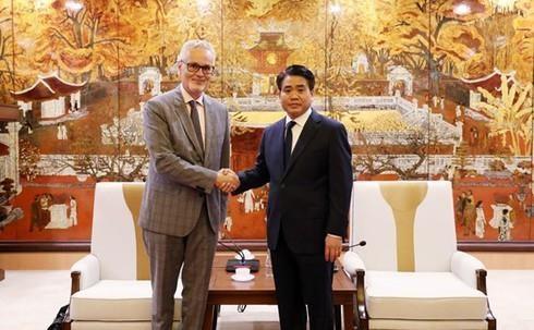 Fomenta Hanoi relaciones cooperativas con Alemania hinh anh 1
