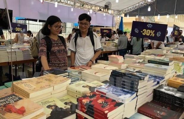 Inauguran VI Festival del Libro de Hanoi hinh anh 1